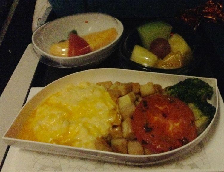 機内食/朝食1回目.jpg